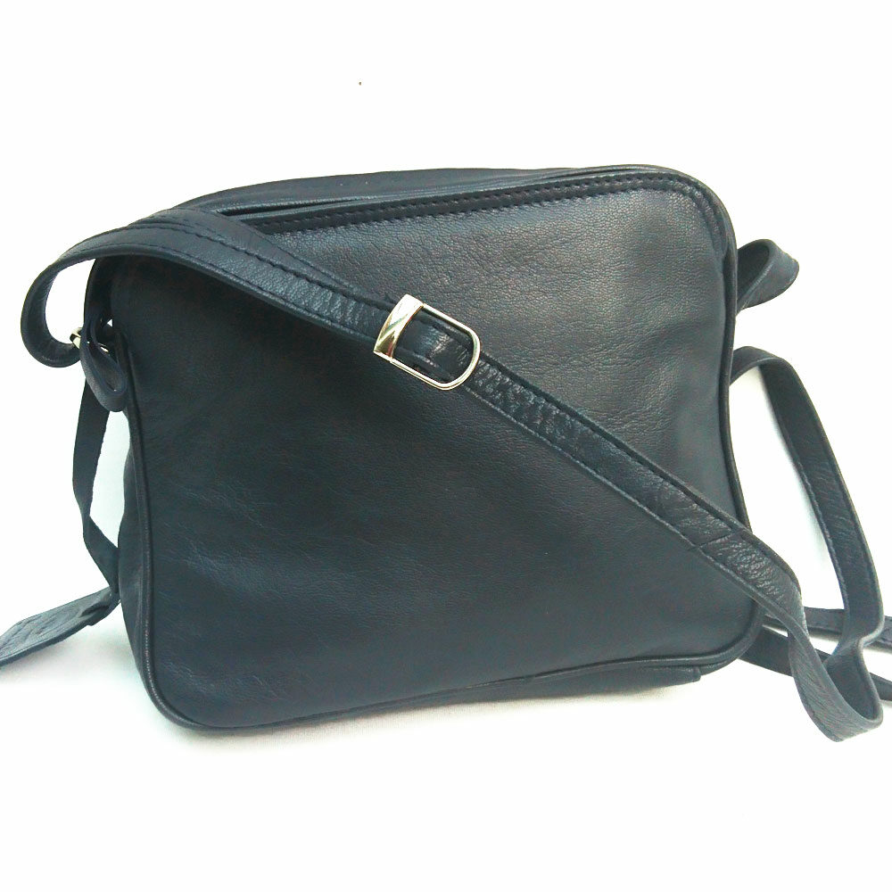 square-slip-pocket-leather-bag-navy