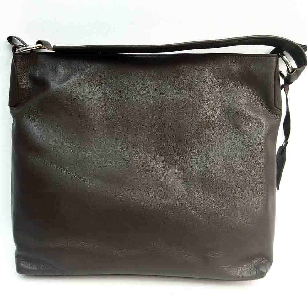 large-brown-leather-zip-bag