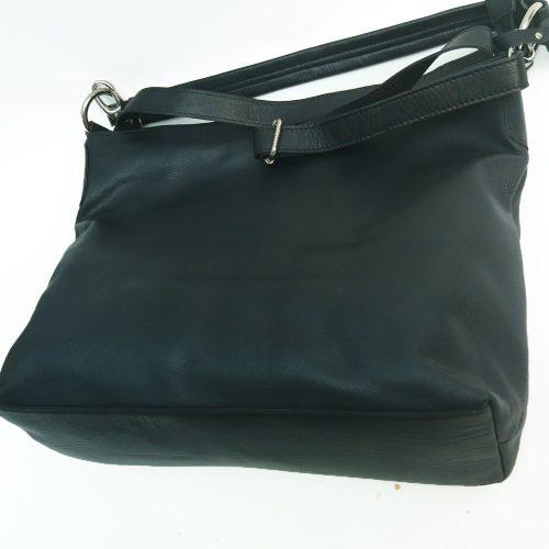 large-single-handed-leather-bag-black