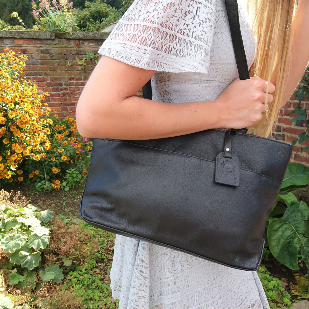 twin-handle-leather-business-bag-black-4
